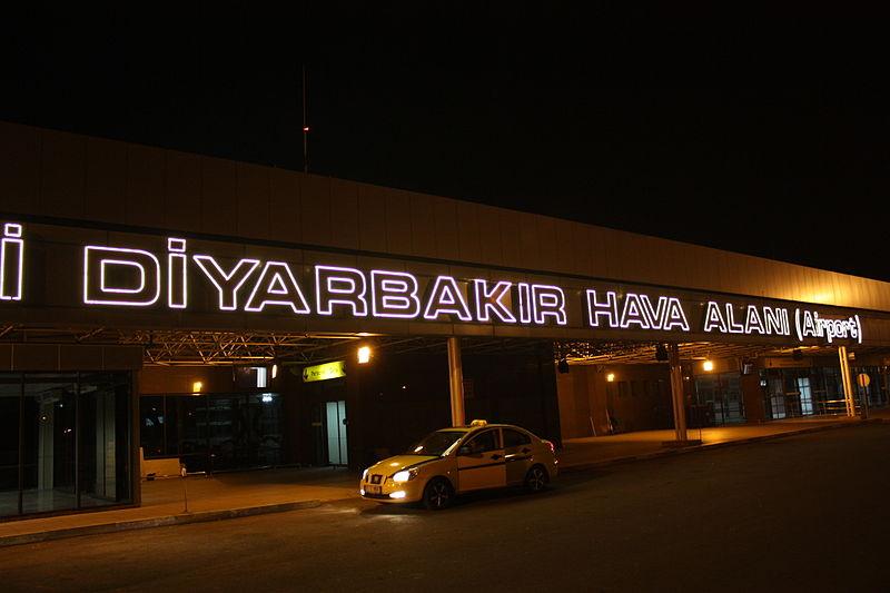 Diyarbakır Havalimanı uçuşlara kapatılıyor