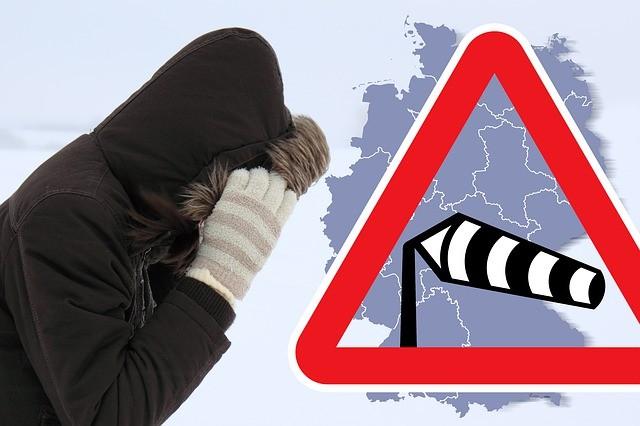 Sabine Fırtınası Avrupa'da Hava trafiğini vurdu.