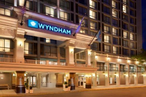 Wyndham Hotels kemer sıkıyor.