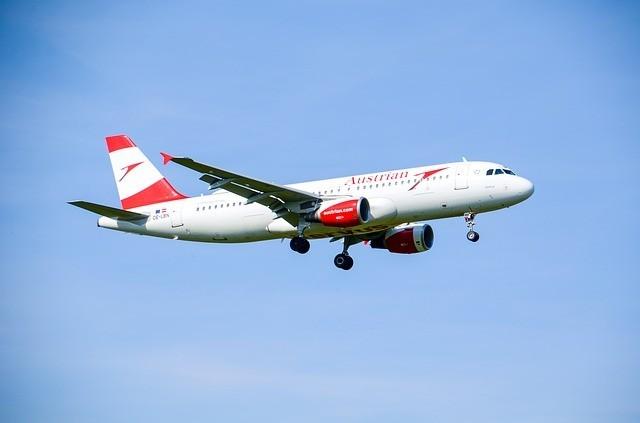 Austrian Airlines tüm uçuşlarını durdurdu.