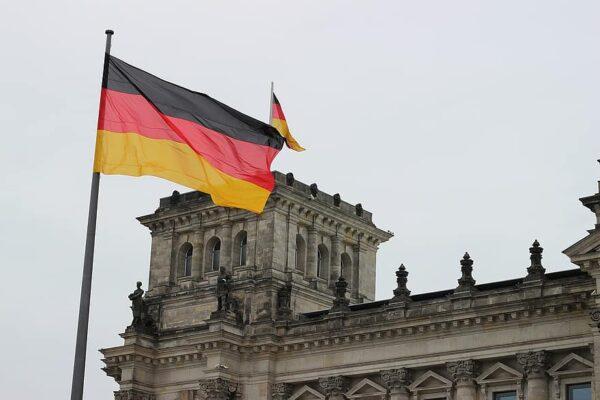 Almanya Azerbaycan'ı yüksek riskli ülkeler listesine aldı