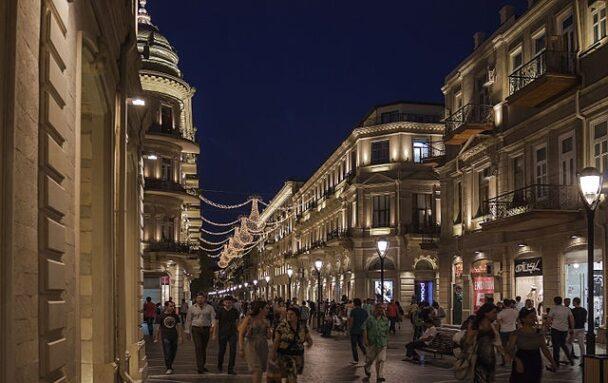 Azerbaycan 12 yeni ülkeden ziyaretçi kabul etmeye başladı