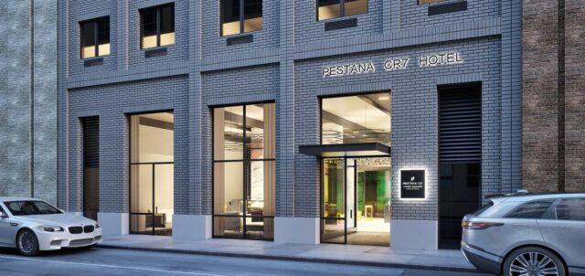 Cristiano Ronaldo 4. otelini New York'ta açtı