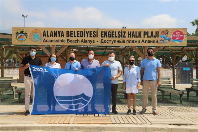Alanya Belediyesi Engelsiz Halk Plajı Mavi Bayrak Ödülü Aldı
