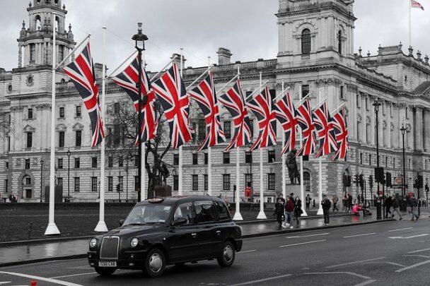 Londra Büyükelçiliği'nden İngiltere seyahatleri için güncelleme