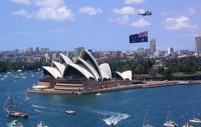 Avustralya'da seyahat yasakları 3 ay uzatıldı