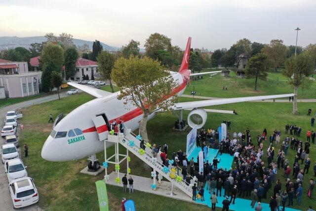 Sakarya'da 'Uçak Kıraathanesi' Hizmete Başladı
